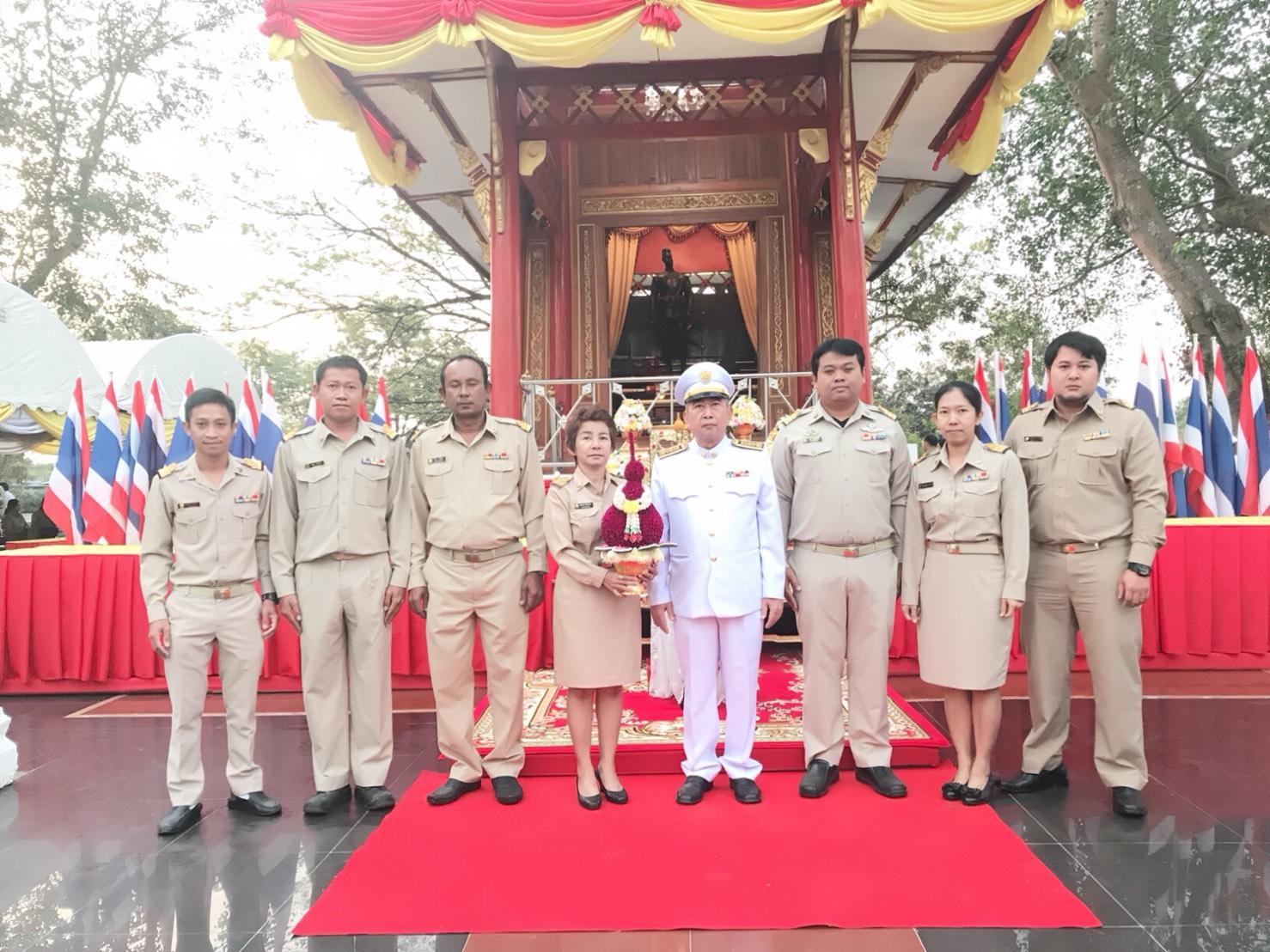 กปภ.สาขาปราจีนบุรี ได้เข้าร่วมพิธีวางพานพุ่มถวายราชสักการะ วันยุทธหัตถีของสมเด็จพระนเรศวรมหาราช ประจำปี 2561 เวลา 07.00 น. เป็นต้นไป ณ บริเวณศาลสมเด็จพระนเรศวรมณฑลทหารบกที่ 12 ต.บ้านพระ อ.เมือง จ.ปราจีนบุรี