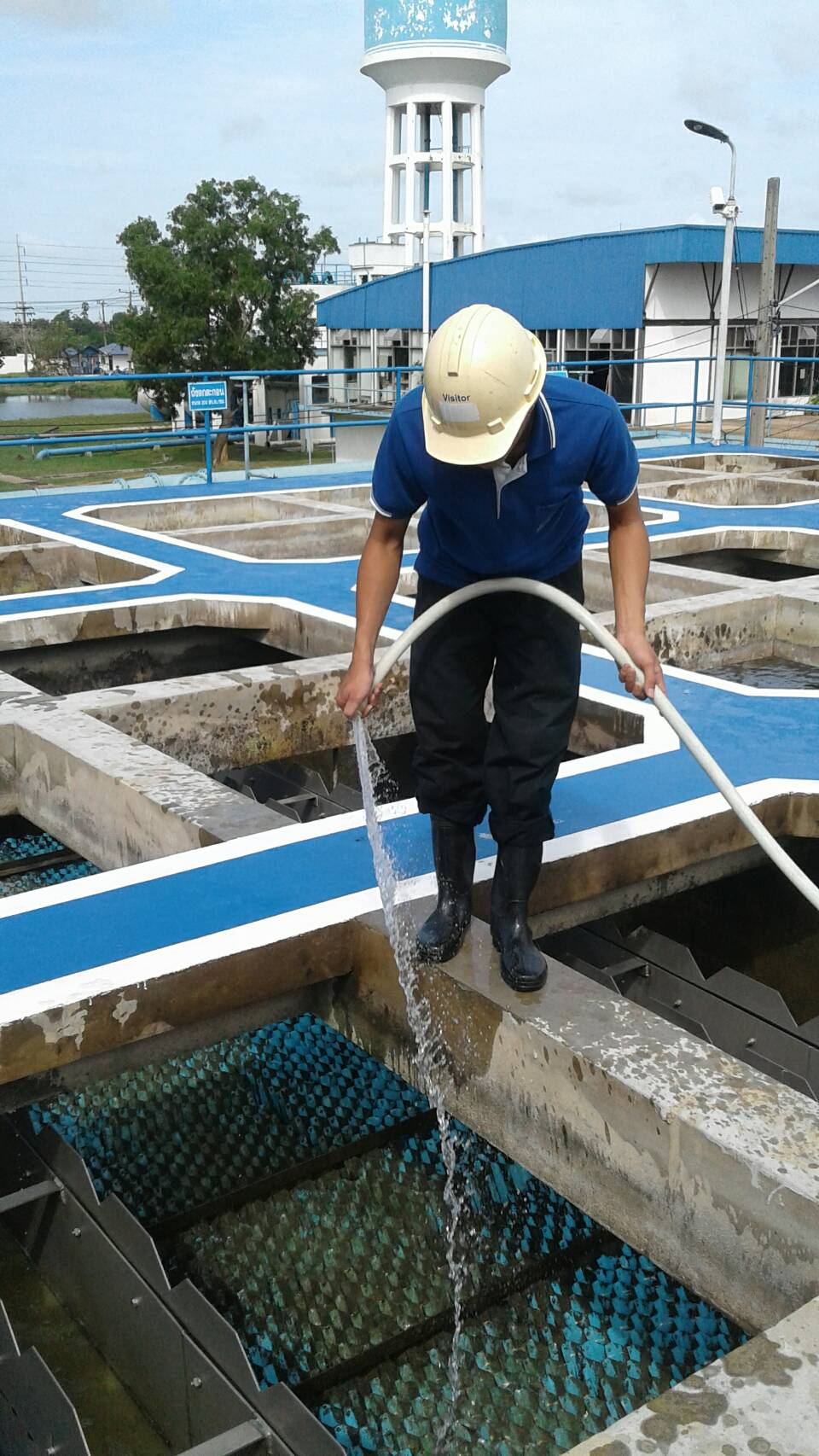 กปภ.สาขาฉะเชิงเทรา ดำเนินการล้างถังตกตะกอนตามโครงการบริหารจัดการน้ำสะอาด Water Safety Plan