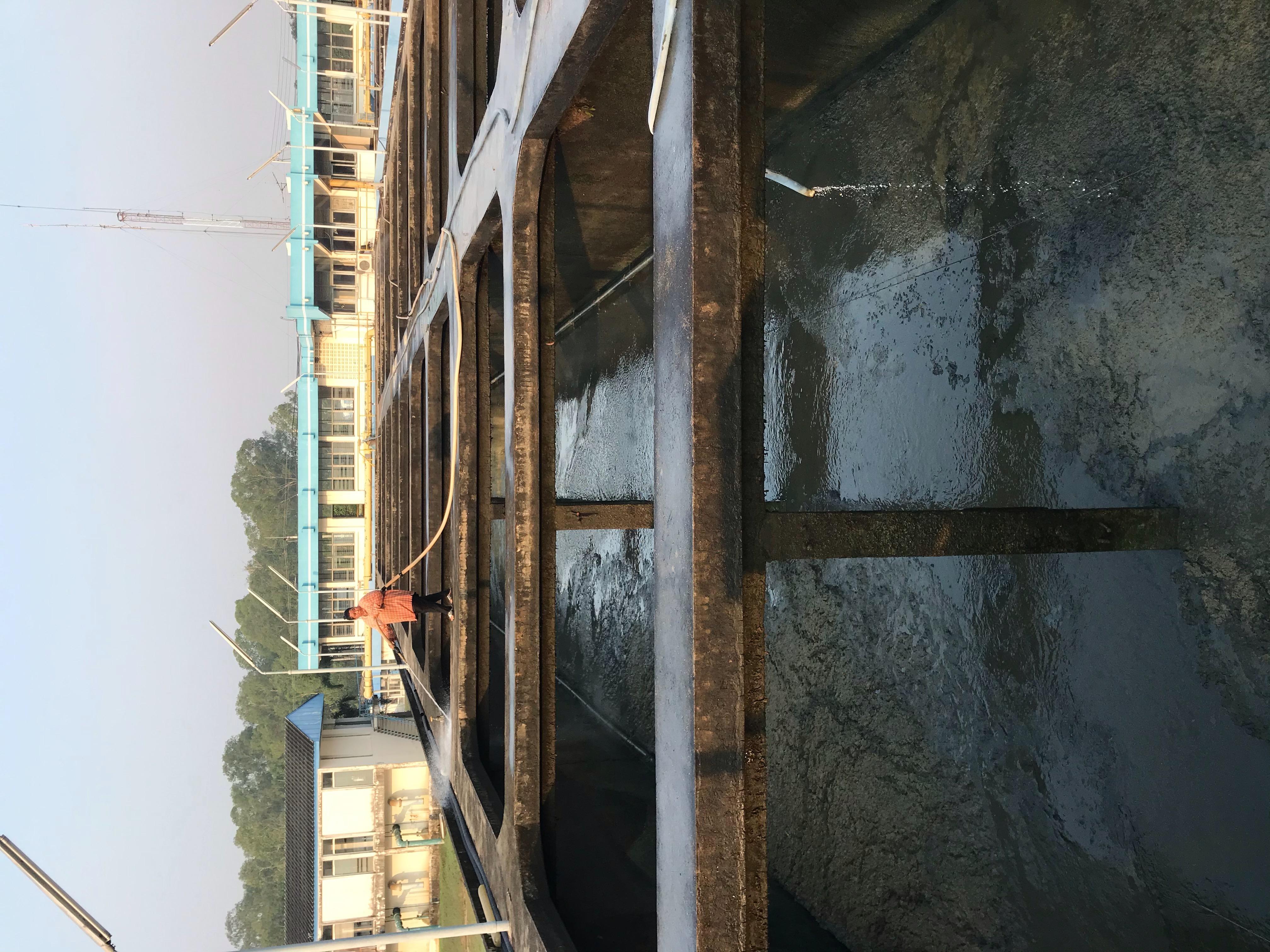 กปภ.สาขาพัทยา (พ) ล้างถังตกตะกอน ตามมาตรฐาน WSP ณ สถานีผลิตน้ำอ่างเก็บน้ำมาบประชัน