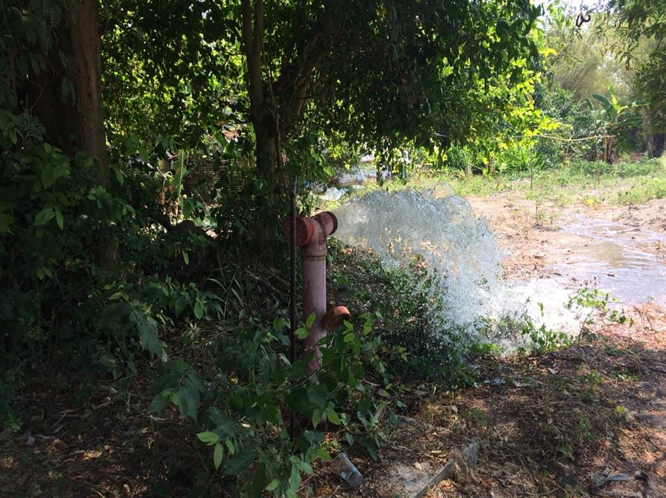 กปภ.สาขาเลาขวัญ ปฎิบัติการล้างตะกอนในเส้นท่อ