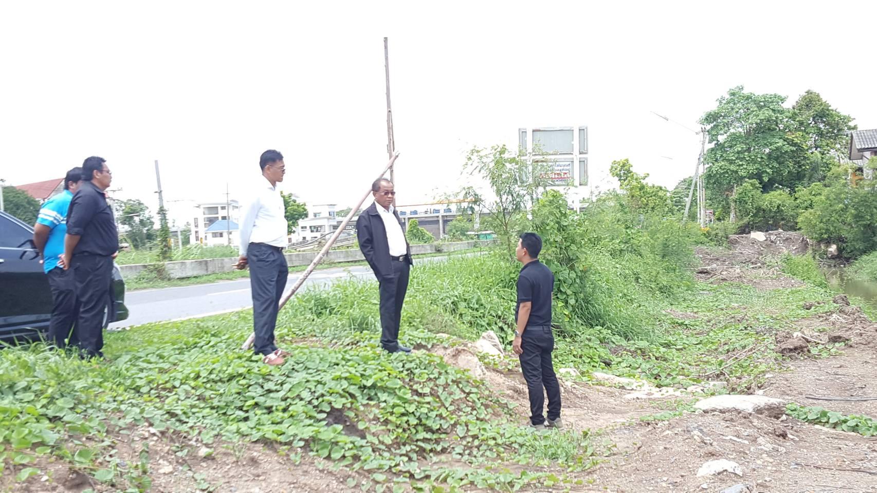 ผู้อำนวยการการประปาส่วนภูมิภาคเขต 2 ลงพื้นที่ตรวจเยี่ยมความคืบหน้าโครงการปรับปรุงเส้นท่อพื้นที่จ่ายน้ำของ กปภ.สาขาธัญบุรี