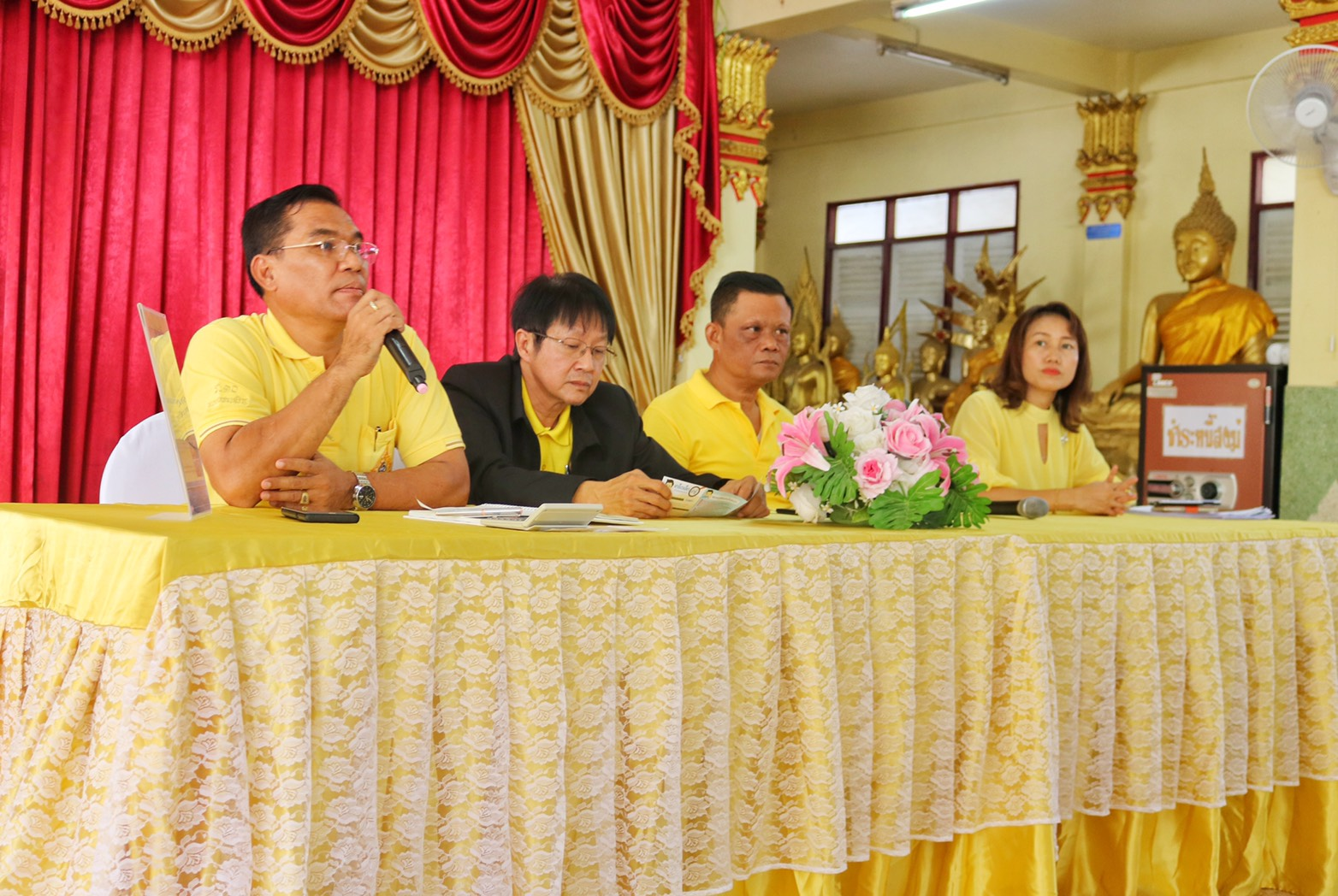 กปภ.สาขาปทุมธานี ร่วมกับ กปภ.สาขารังสิต (ชั้นพิเศษ) จัดโครงการ เติมใจให้กัน (Home Care) ณ ศาลาการเปรียญวัดเสด็จ ต.สวนพริกไทย อ.เมือง จ.ปทุมธานี