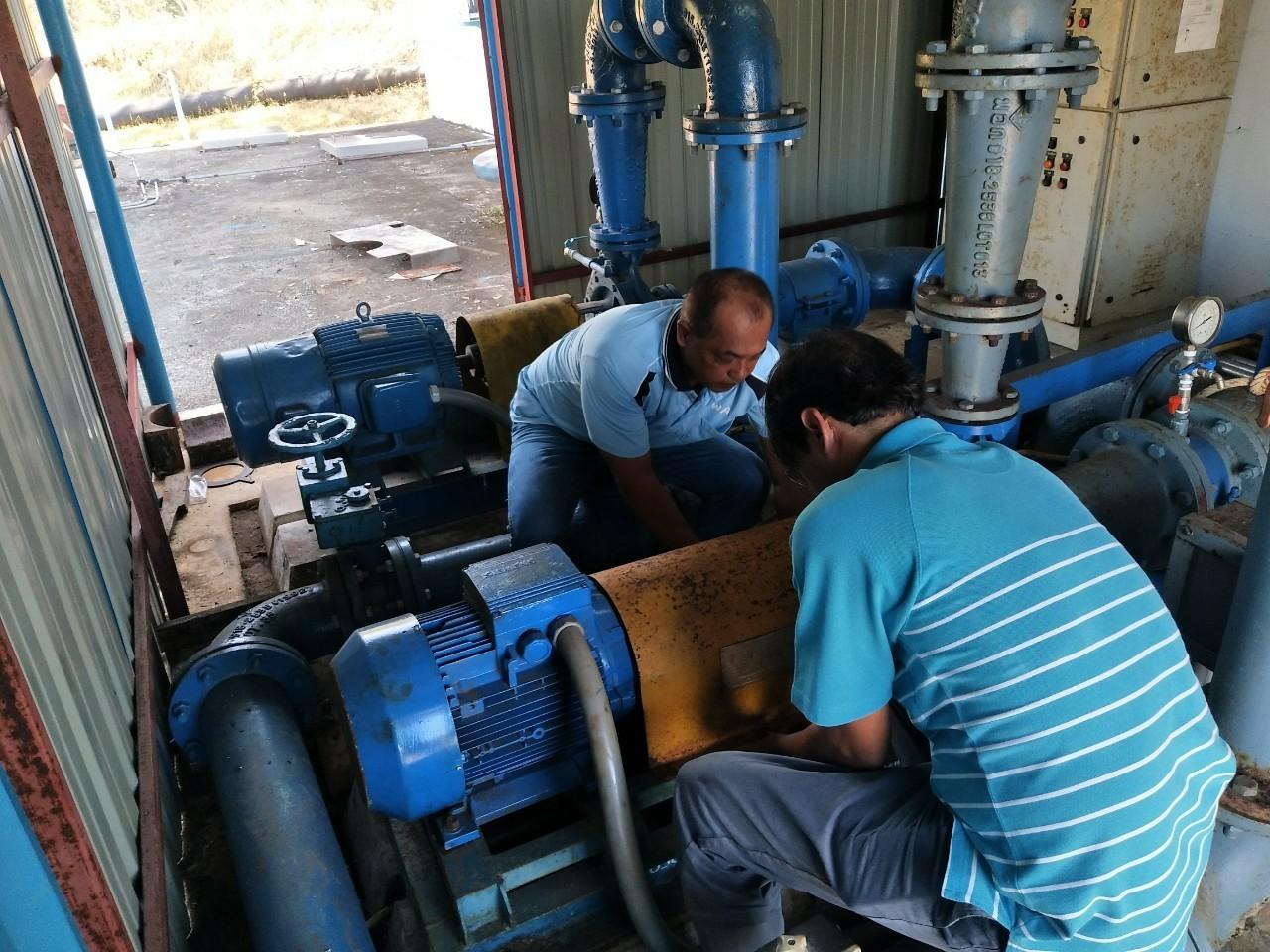 กปภ.สาขาคลองใหญ่ ดำเนินการล้างถังตกตะกอน ประจำเดือน มกราคม 2563 ณ สถานีผลิตน้ำบางอิน อ.คลองใหญ่ จ.ตราด