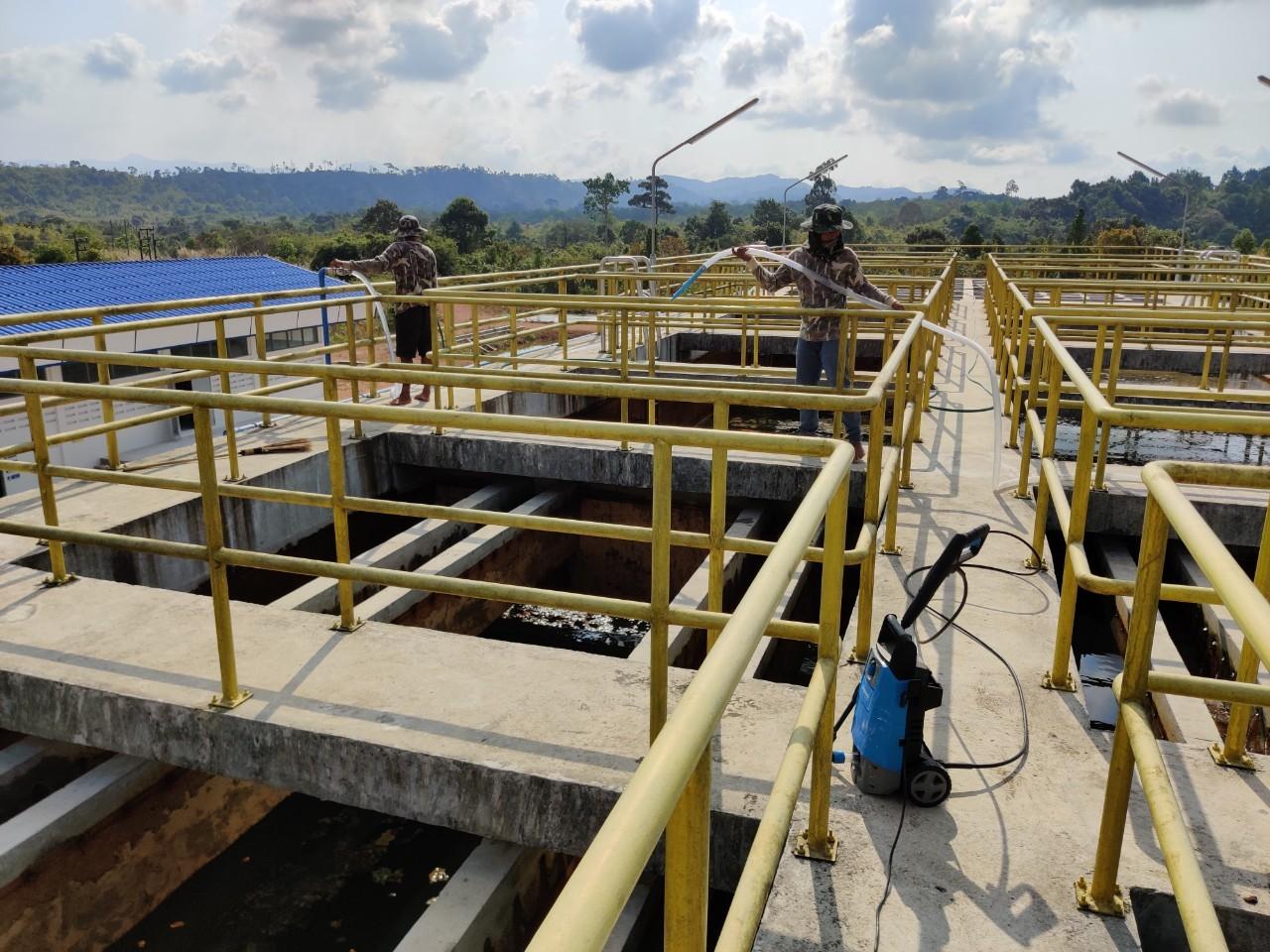 กปภ.สาขาคลองใหญ่ ดำเนินการล้างถังตกตะกอน ประจำเดือน มกราคม 2563 ณ สถานีผลิตน้ำคลองสะพานหิน
