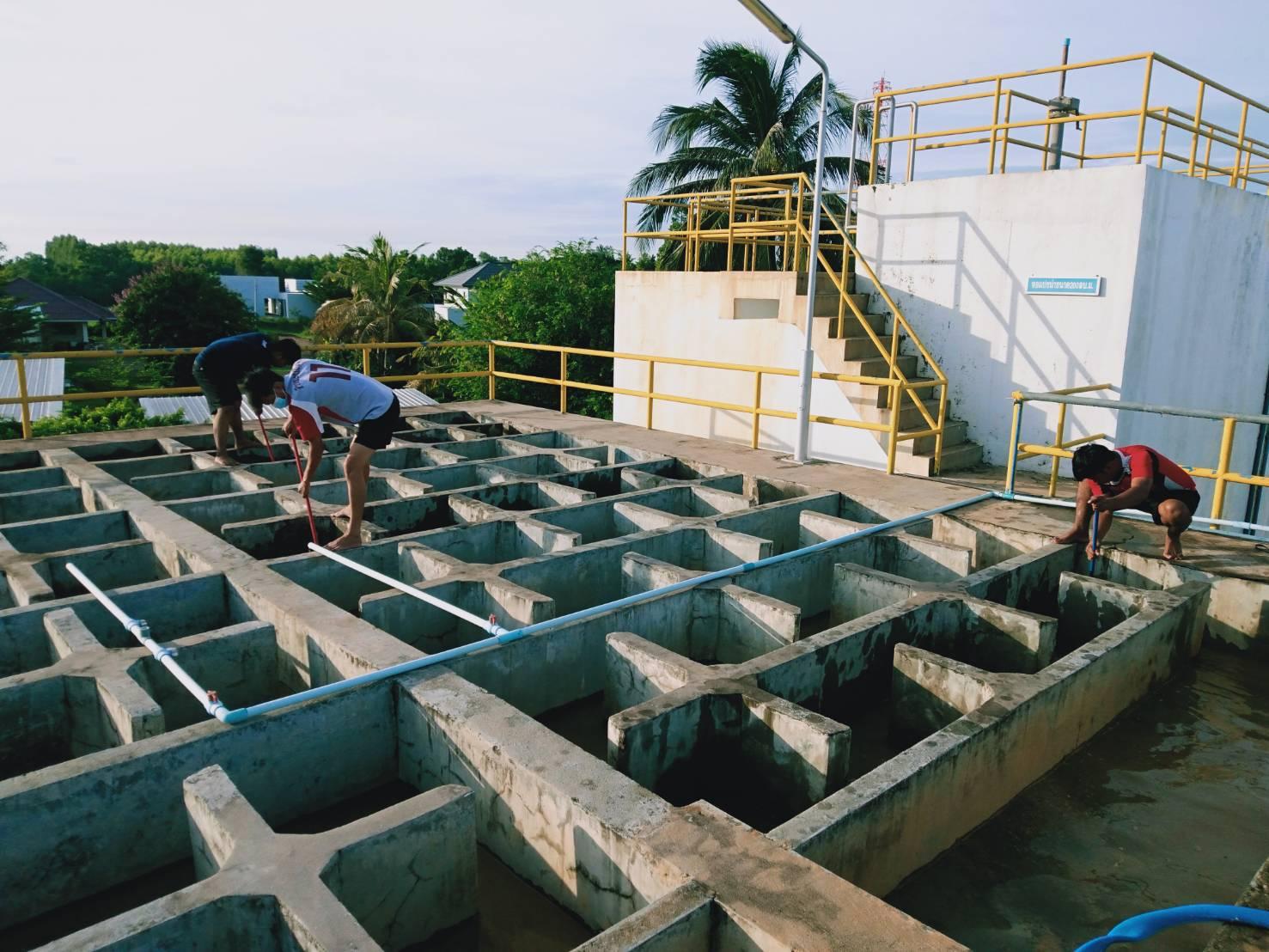 กปภ.สาขาวัฒนานคร ดำเนินการล้างถังตกตะกอนประจำเดือนมิถุนายน 2563